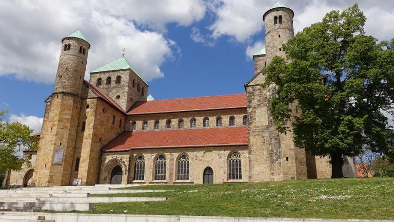 Tagestour der Dienstagsgruppe nach Hildesheim und zum Schloss Marienburg